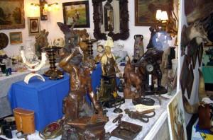 Wir verkaufen Antiquitäten aus aller Welt