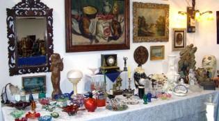 Antiquitäten aus aller Welt